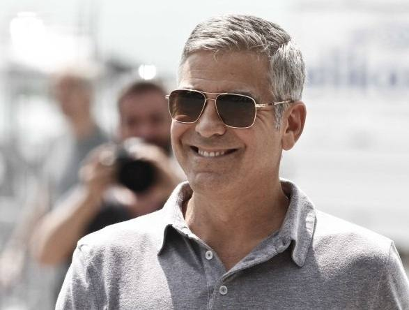 George Clooney in Oliver Peoples Lindford